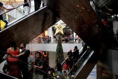 Centros comerciales registran caída de hasta 35% en visitas por estallido social