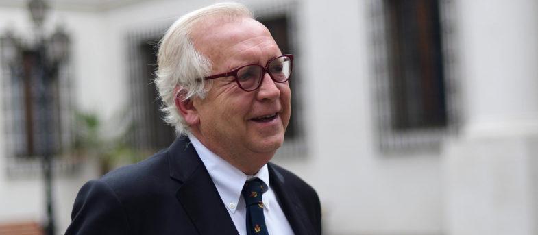 Burgos responde a críticas por asesoría jurídica a Piñera en acusación constitucional