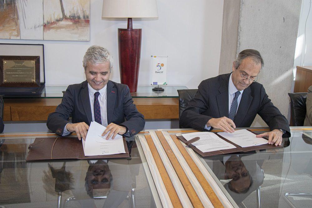 Firman convenio para creación del Instituto Profesional Duoc UC-CMPC en la comuna de Nacimiento