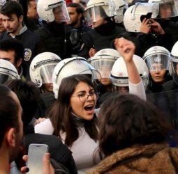 Mujeres turcas arman 'mapa del peligro'