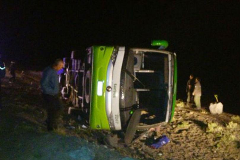Accidente de bus deja 21 muertos en ruta que une Taltal y Antofagasta