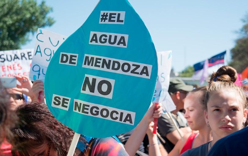 """""""Suspenden ley de minería en Mendoza tras masivas protestas sociales"""""""