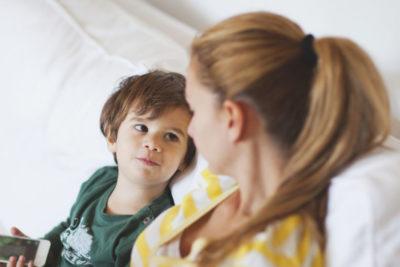 """Cómo hablar con un niño en la era de """"El violador eres tú"""""""