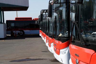 Ministerio de Transportes confirma que licitación para nuevos buses del Transantiago se atrasará