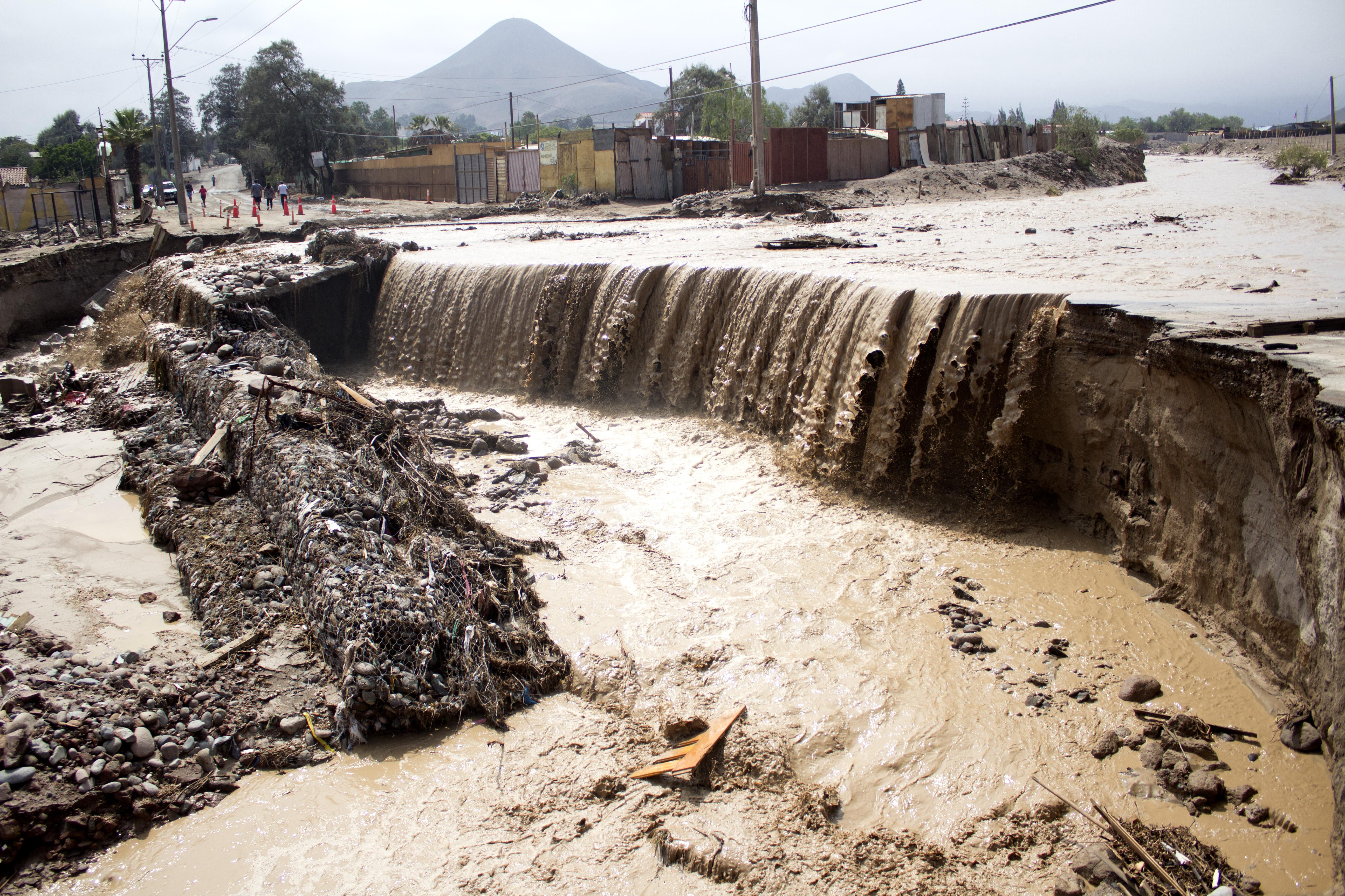 """""""Alerta amarilla por lluvias en sector cordillerano de Arica y Parinacota"""""""