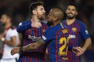 Referentes del Barcelona presionan a Arturo Vidal para que se quede en el club