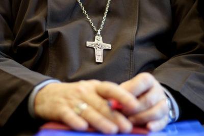 Papa acepta dimisión de sacerdote de Villarrica tras confirmarse abusos sexuales