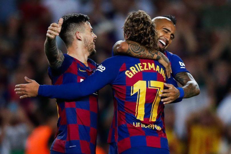 """Prensa española elogia el """"eléctrico"""" partido de Arturo Vidal en goleada de Barcelona"""