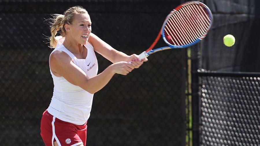 """""""Alexa Guarachi salta al lugar 54 en el ranking WTA de dobles"""""""