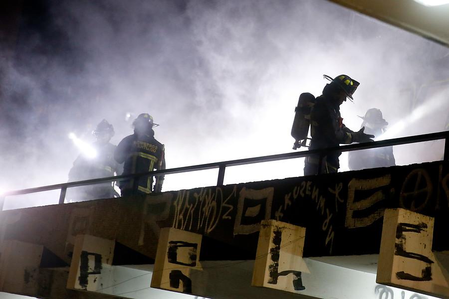 """""""Una persona falleció en incendio que afectó a supermercado saqueado en San Ramón"""""""