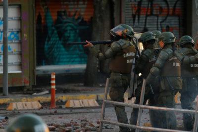 """Frente Amplio presentó requerimiento en el TC contra """"ley antisaqueos"""" fuera de plazo"""