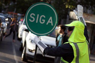 """Santiago y Las Condes extienden plan de """"semáforos humanos"""" por enero"""