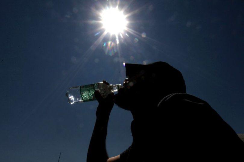 Meteorología emite alerta por altas temperaturas: podrían llegar a los 38 grados en la zona central