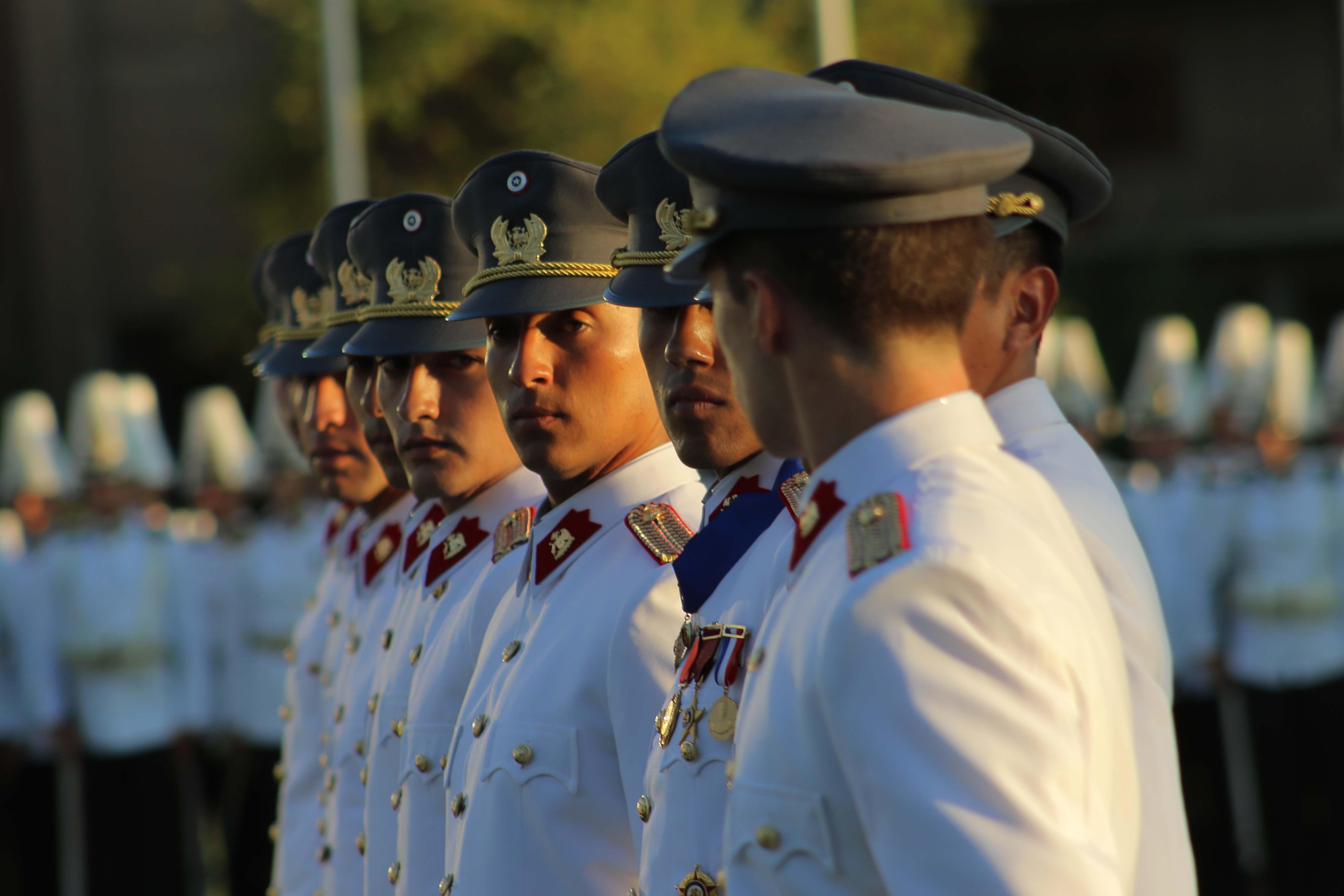 Ejército apeló a retiro de placas de Manuel Contreras: lo comparan con José Miguel Carrera