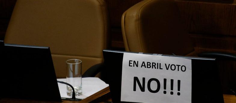 Encuesta Cadem: aumenta el rechazo a la nueva Constitución