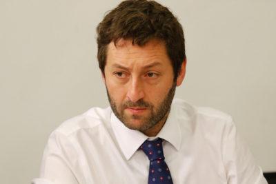 """Diputado Coloma pide identidades de equipo de redes sociales de Contraloría tras acusar """"sesgo político"""""""