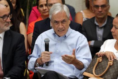 """Piñera llama a los políticos a actuar con """"unidad"""" en estos """"tiempos difíciles"""""""