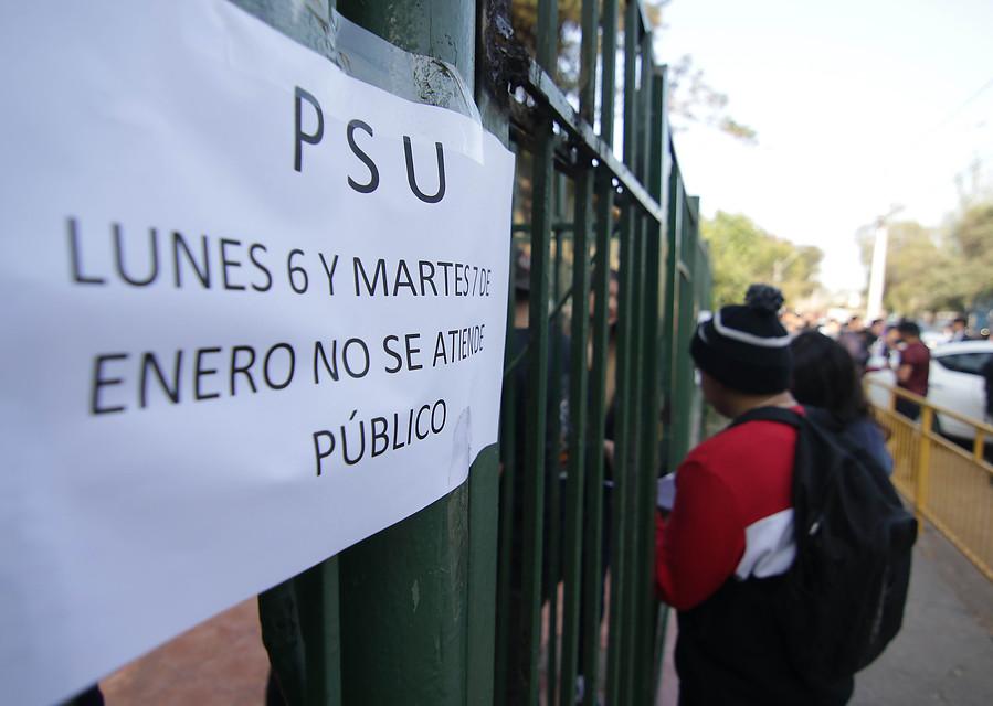 Estudiantes presentan recurso a la Justicia para paralizar PSU a nivel nacional