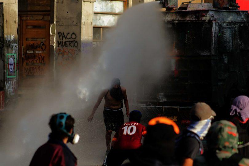 Carabineros confirma detención por efectivos de civil en el cerro Santa Lucía