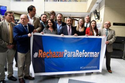 """21 diputados de RN anuncian su apoyo al """"rechazo"""" de la nueva Constitución"""