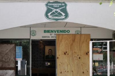 Atacan al menos cuatro cuarteles de Carabineros en la Región Metropolitana