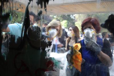 Alcaldesa Matthei participa de jornada de limpieza en Providencia