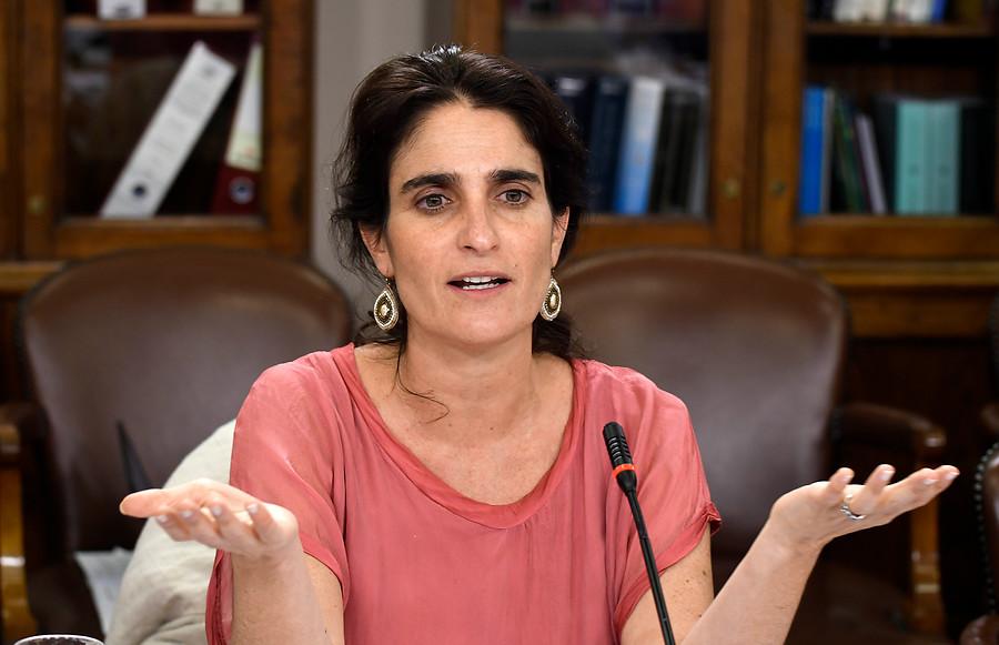 """Ministra Zaldívar y rechazo de 6% de cotización: """"Son señales contradictorias"""""""