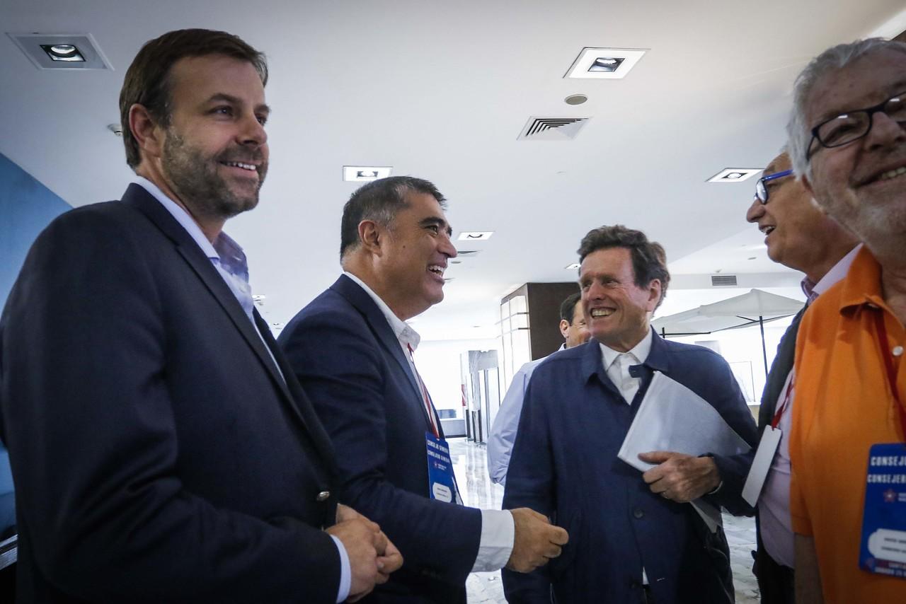 """Plebiscito: Evópoli y el PRI irán por la opción """"Apruebo"""""""