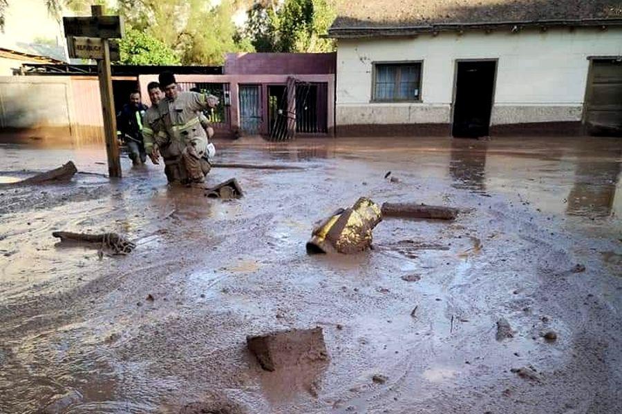"""""""Aluviones en Atacama: Gobierno declara estado de catástrofe en 5 comunas y Onemi ordena evacuaciones"""""""