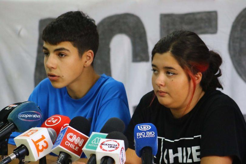 """Defensoría de la Niñez: """"ACES perturbó derecho de jóvenes que querían rendir la PSU"""""""