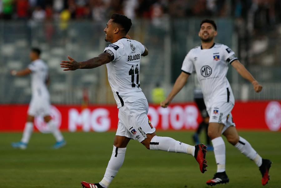 Colo Colo debutó goleando a Palestino en el Monumental