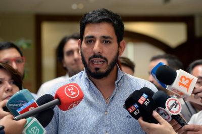 """La advertencia del Frente Amplio a Blumel: """"O saca al general director de Carabineros o será acusado constitucionalmente"""""""