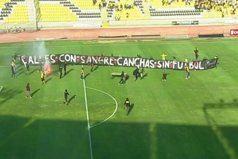 Hinchas interrumpieron duelo entre Coquimbo Unido y Audax Italiano