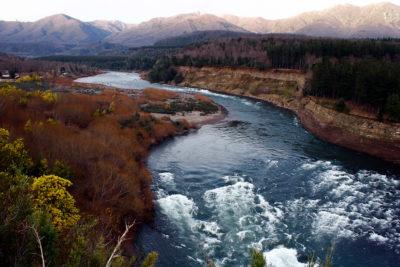 Los ríos como sujetos políticos para descolonizar la vida