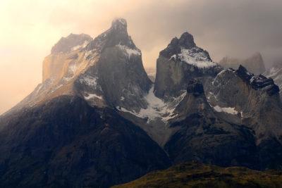 El cuestionable rayado de turista italiana en el Parque Nacional Torres del Paine