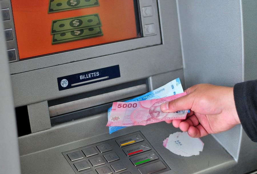"""""""Banco Central cuestiona falta de billetes de $2.000 y $5.000 en cajeros automáticos"""""""