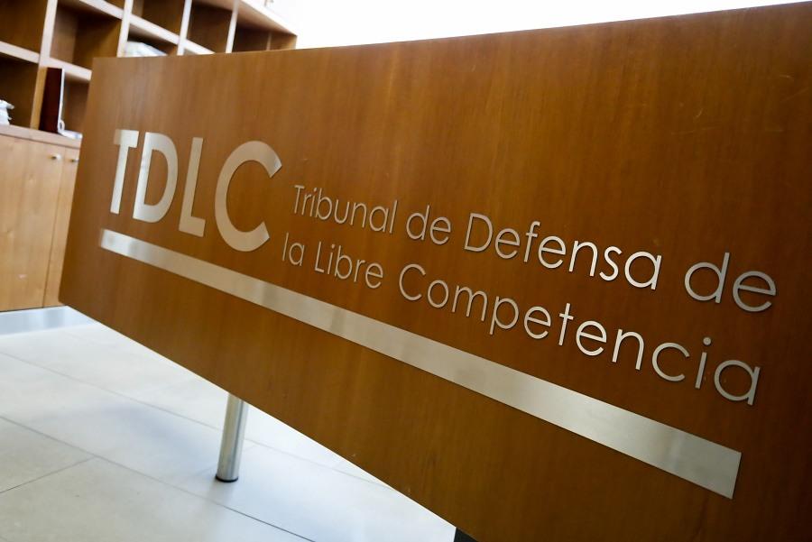 TDLC condena a laboratorios por colusión en licitaciones de suero