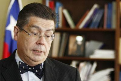 """Luis Riveros, ex rector de la U. de Chile: """"Los estudiantes más pobres se sienten en un apartheid"""""""