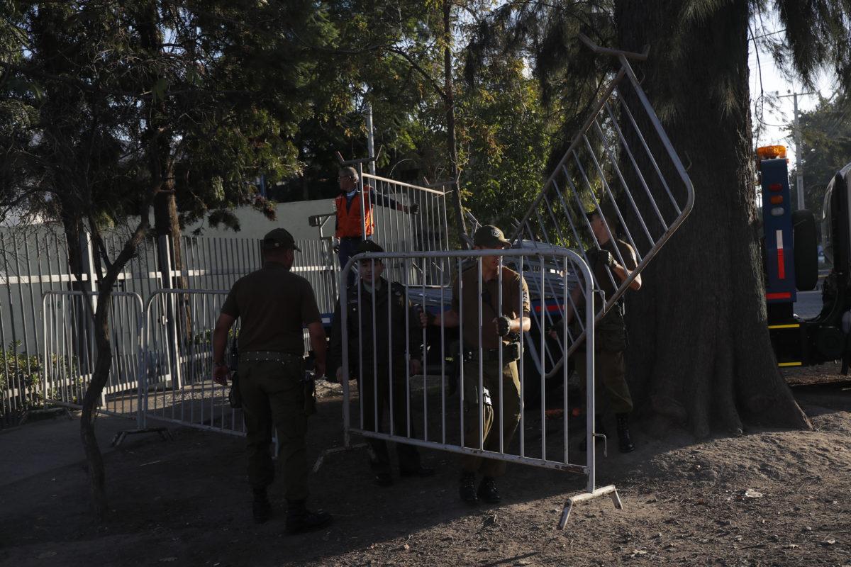 PSU: detienen a dos jóvenes por incidentes en colegio de Puente Alto
