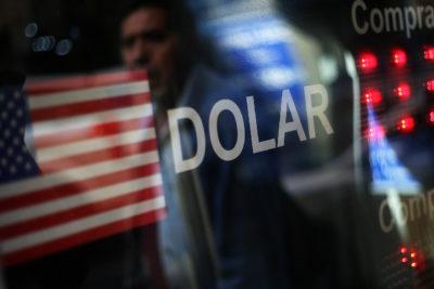 Dólar se acerca a los $790 en incertidumbre por coronavirus y caída del cobre
