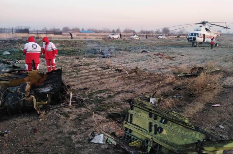 """""""Avión se estrella en Irán dejando más de 170 muertos"""""""