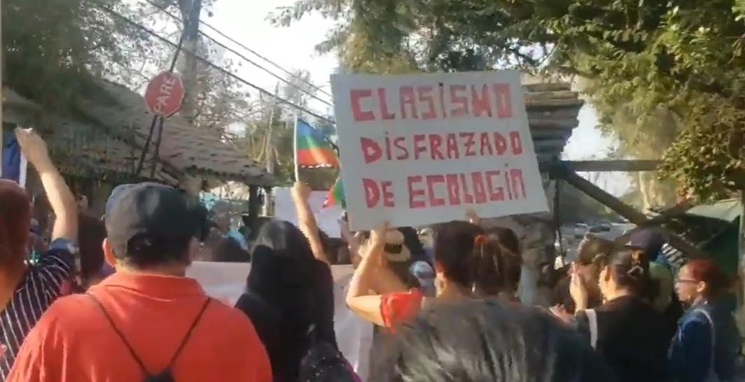 Vecinos de Peñalolén acusan nuevamente de discriminación a comunidad ecológica por viviendas sociales