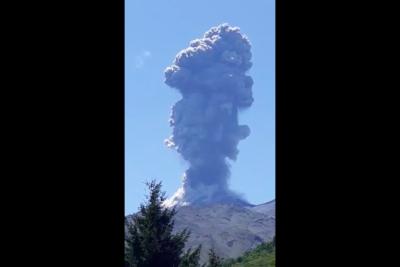 VIDEO   Volcán Nevados de Chillán registró nuevo pulso eruptivo