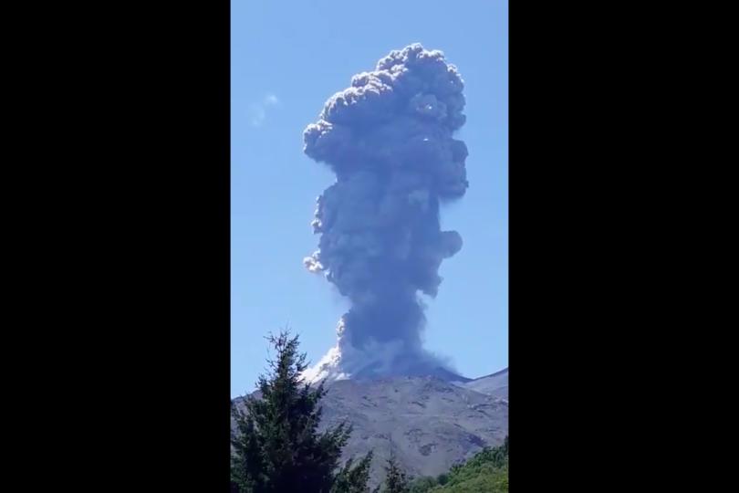 VIDEO | Volcán Nevados de Chillán registró nuevo pulso eruptivo