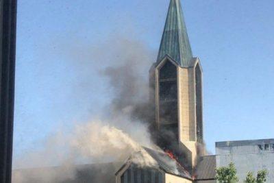 Iglesia descarta intencionalidad en incendio de Catedral de Valdivia