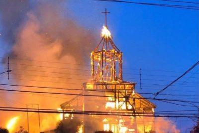 Amplían detención de imputado por incendio en Iglesia San Francisco de Ancud