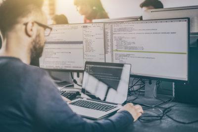 Analista Programador e Ingeniería en Informática: las carreras que se tomarán la IV Revolución Industrial