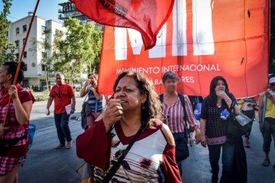 Carabineros denuncia por sedición impropia a abogada de la Defensoría Popular