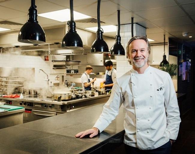"""""""Condenan a chilenos por robar en la residencia de uno de los chef más importantes de Gran Bretaña"""""""