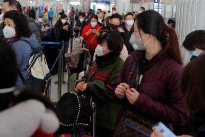Coronavirus: China confirma casi 800 nuevos casos en un día y mascarillas se agotan en tiempo record
